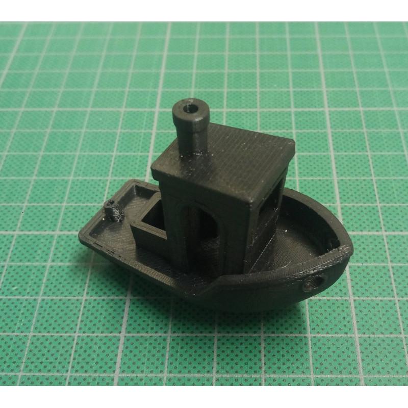 Impression 3D additive du bateau de test de la machine